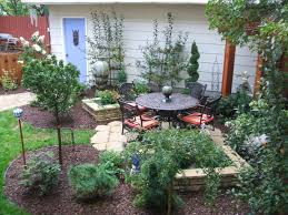 Landscaping Ideas For Backyards by Backyard Landscaping Ideas For Small Yards Small Yards Big Designs