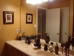 Tropical Themed Bathroom Ideas Best 25 Safari Bathroom Ideas On Pinterest Cheetah Print Decor