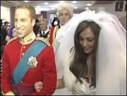 Sósias ganham atenção e dinheiro imitando casal real