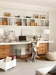 Modern White Office Desks De La Oscuridad A La Luz Elmueble Com Casas Casa Estudio