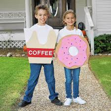 halloween costumes that work for couples families chicago tribune