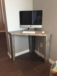 Very Small Desktop Computers Best 25 Diy Computer Desk Ideas On Pinterest Computer Rooms