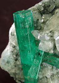 Rocas, tipos de rocas, generacion de rocas nuevas, modificaciones que sufren, ejemplos de rocas, que es el suelo, tipos de suelo. (Hecho por Elizabeth Balaguer Duarte). , Images?q=tbn:ANd9GcRYJtVYFb6D8f7GcIw1qDsnIUXG-Qvhr2pQSLyd102H9lZYGobjLw