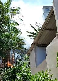 Incêndio atinge terreno baldio em Porto de Santana em Cariacica ...
