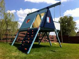 Cool Backyard Toys by 20 Of The Coolest Backyard Designs With Playgrounds Triangle