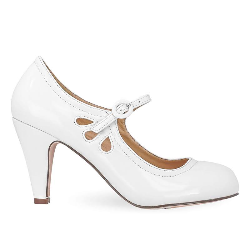 Chase & Chloe Kimmy-21 Round Toe Pierced Mid Heel Mary Jane Style Dress Pumps,White Patent,9