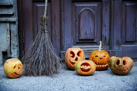 3 easy ways to decorate your front door this halloween today com