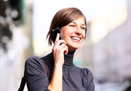 Caixas eletrônicos distribuem dinheiro depois de receber SMS