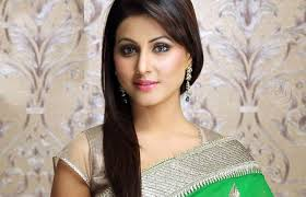 The gorgeous looking Hina Khan who is well known as Akshara in Star Plus show Yeh Rishta Kya Kehlata Hai had a completely different career plan chalked for ... - hina-khan