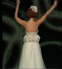 فستان مريام فارس الابيض عيوني
