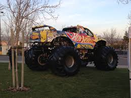 bigfoot king of the monster trucks www dsoindustrial com dsoindustrial ecmexperts monster trucks