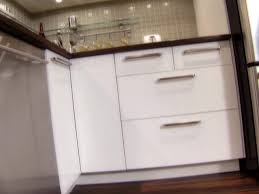 Kitchen Cabinet Cornice by Installing Kitchen Cabinets How Tos Diy