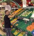 Mise en rayon des fruits et légumes