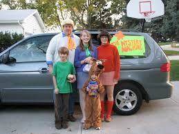 Halloween Costumes For Families by Tips For Creative Family Halloween Costumes That Won U0027t Break The