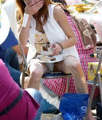 人妻スリチラ無料画像|スカートフェチ専用アダルトサイト スカートの奥から溢れる蜜 - FC2