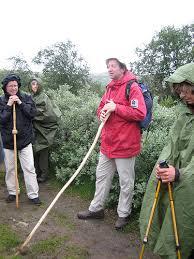 Hans-Jacob Dahl har ledet mange grupper av pilegrimer over Dovrefjell. Her er han sammen med pilegrimsprest i Hamar, Arne Bakken