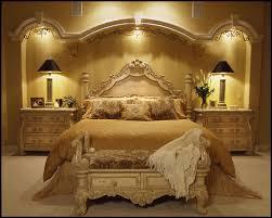 غرف نوم.... Images?q=tbn:ANd9GcRiFEHsTi3vTjX1EyBjEIsnsRWK8VHXjTpcXmO9BBO7qYzC6fddBQ