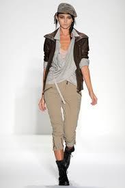 """Teen fashion..."" Images?q=tbn:ANd9GcRkbe9RSgWal8jMrmSWmo1uVoKGl6sl8Colk1Ni2JeCoKlbM6YB"