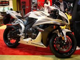 cbr bike latest model yamaha r6 vs honda cbr 600 rr t o o w