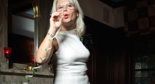 Mona Arnetz kickstartade med VLCD. Efter tre veckor hade nio kilo forsvunnit. Nu vager hon nastan 25 kilo mindre an i mars nar hon startade. - ImageHandler