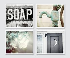 Decorating Bathroom Walls Ideas by Best 25 Master Bathrooms Ideas On Pinterest Master Bath