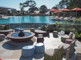 Mr Pool And Mrs Patio by Where To Stay In Byron Bay Elements Of Byron Mr And Mrs