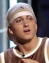 Eminem desvela sus intenciones de publicar nuevo disco en 2013