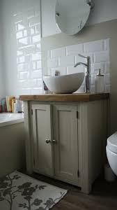 Shabby Chic Bathroom Vanity by Best 25 Bathroom Sink Vanity Ideas Only On Pinterest Bathroom