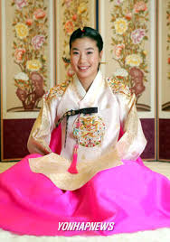 korean haristyle and hanbok Images?q=tbn:ANd9GcRoK0SE4cODMo4-_5Z2BPj-LjhZO2rJx5Css6xy2f2FnCDQGg47hQ