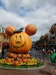 mickey u0027s halloween party 2017 is the biggest and best ever