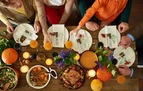 stores that are open on thanksgiving day 22 restaurants open on thanksgiving day 2016 gobankingrates