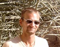 32 årige Christian Hornung arbejder til daglig som dækmontør, ... - Christian-Hornung.Andersen_01A