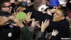 Obama e Romney travam disputa acirrada em Estados indecisos