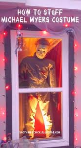 halloween decorated best 25 halloween window decorations ideas on pinterest