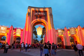 how to go to universal u0027s halloween horror nights without getting