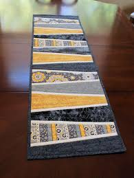 Quilted Table Runners by 305 Best Quilted Table Runners Images On Pinterest Table Runners