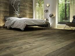 nature et deco chambre à coucher ambiance nature plancher de bois franc et
