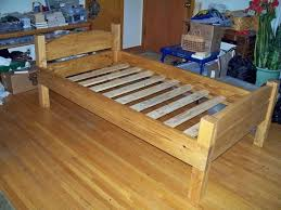 Build Your Own Platform Bed Base by Best 25 Twin Bed Frame Wood Ideas On Pinterest Twin Platform