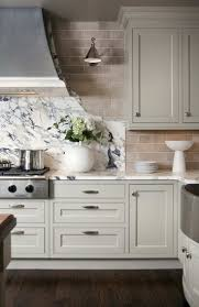 Remodeled Kitchens With White Cabinets by 25 Best Off White Kitchens Ideas On Pinterest Kitchen Cabinets