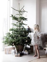 Christmas Home Decorations Pictures Best 25 Christmas Interiors Ideas On Pinterest Scandinavian