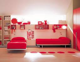 من الذي يحب اللون الاحمر !!!!!!!!!!! images?q=tbn:ANd9GcR