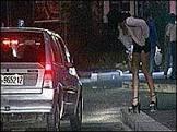 BBCBrasil.com | Reporter BBC | Prostitutas fazem promoção 'pague ...