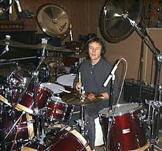 Drummerworld: Phil Ehart