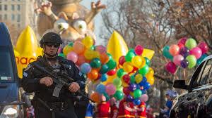 thanksgiving parade balloons new york thanksgiving parade features balloons bands heavy