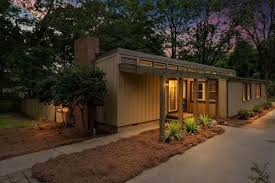 midcentury east lake bungalow gets u0027funky u0027 for 299k curbed atlanta