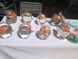 Finding Nemo Centerpieces by Finding Nemo Party Fish Bowls With Nemo Favors Party Ideas