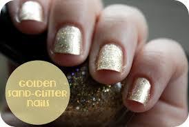 golden sand glitter nails feat a few cookie poser snaps