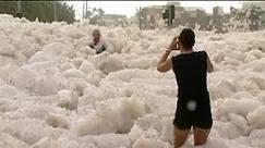Cidade australiana fica coberta por espuma do mar - BBC Brasil ...