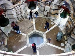 Torre de Pisa. Images?q=tbn:ANd9GcS4UzoPtBr0RhQC0ZyNc_YmUxBHw_F-bectZrWQV9Kh81Yt-Eg&t=1&usg=__hD6_F0BlZagv5Ga7eKuafeQIyXM=