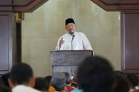 Alwi Wahid speaks at Al Furqon mosque